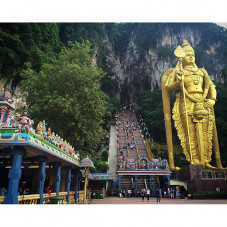 Super stoked to visit the BATU cave temple in Selagor, Malaysia with @jason_atr and @wretched_hive today on our day off of sight seeing before the @artofspeedmy Kustom Kulture show this weekend.
