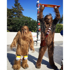 #maythe4thbewithyou #chillenwithchewy #starwarsday #offthewallskatepark #huntingtonbeach #vans